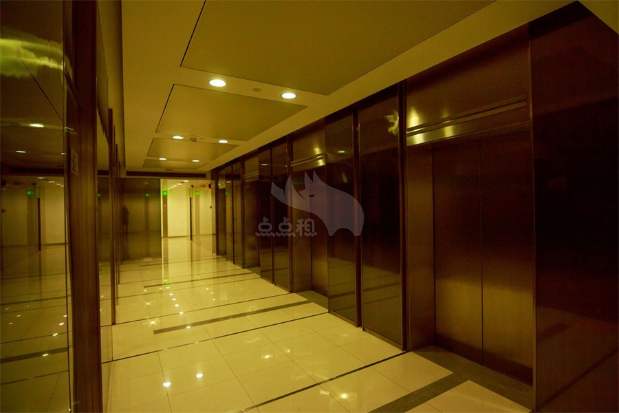 Shanghai Industrial Investment Building 116 sqm